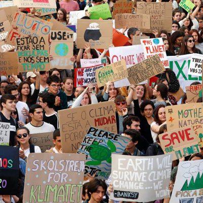 Greve e manifestação de estudantes pelo clima